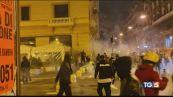Napoli, notte di violenza