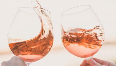 Gli amanti del vino rosé chiedono una nuova emoji