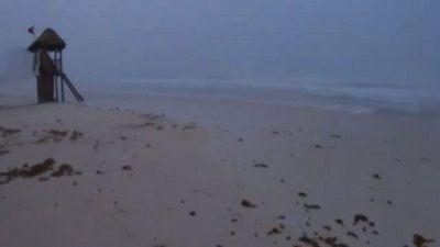 L'uragano Grace sulle coste del Messico, venti a 130 km all'ora