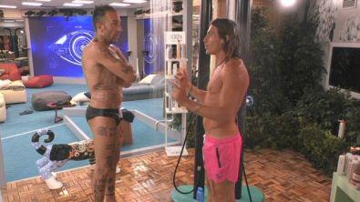 La doccia di Alberto e Simone