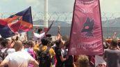 Mourinho atterra a Ciampino: folla in delirio per lo Special One