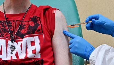 Vaccini, tutte le reazioni avverse nel nuovo rapporto Aifa