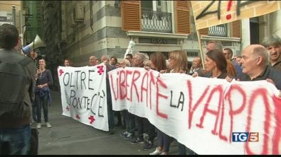 Genova, esplode la rebbia degli sfollati