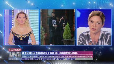 """Asia Argento su Fabrizio Corona: """"Lui piangeva mentre stava sul gabinetto"""""""