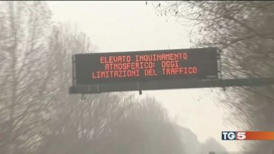"""Torino, allarme smog """"Chiudete le finestre"""""""