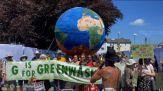 G7, manifestazione ambientalista davanti al media center