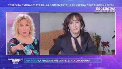 Truffata e minacciata dalla cartomante, le consegna 7.300 Euro in 4 mesi