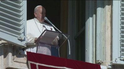 Il Papa, via i cellulari a tavola