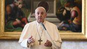 Cos'è la stenosi del colon, causa dell'intervento chirurgico di Papa Francesco