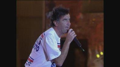 """Un inedito Gene Gnocchi si scatena a Festivalbar '92 con la sua """"Gettoni"""""""
