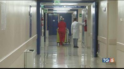 Far West in ospedale due medici aggrediti