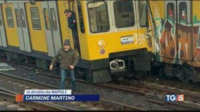 Scontro nella metro. Dodici feriti a Napoli