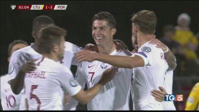 Lo show di Cristiano Ronaldo contro la Lituania
