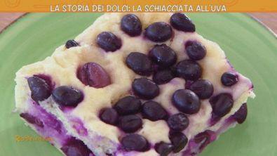 La storia dei dolci: la schiacciata all'uva