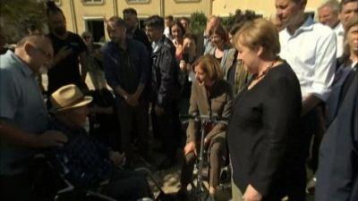 Merkel corre in soccorso di Laschet e visita le zone alluvionate
