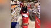 Mara Venier show al supermercato