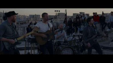 I Coldplay in concerto ad Amman all'alba e al tramonto