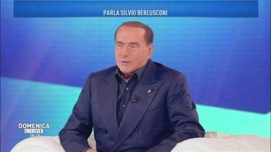 Silvio Berlusconi: la fotografia dell'Italia
