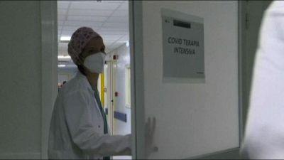 Covid, Gimbe: nuovi casi in calo ma è allarme terapie intensive