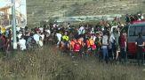 I palestinesi protestano al checkpoint vicino a Ramallah