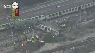 Milano, treno deragliato: una strage