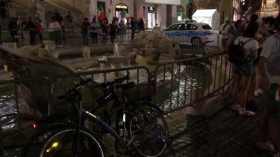 Europei: notte di caroselli in centro a Roma, traffico in tilt per i festeggiamenti