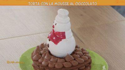 Torta con la mousse al cioccolato