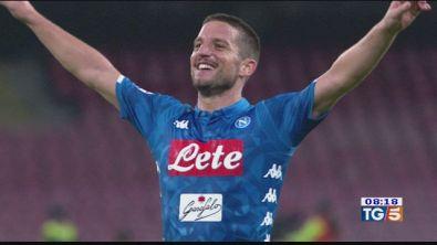 Il Napoli vince e accorcia sulla Juve