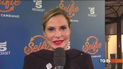 Il ritorno di Simona Ventura con Selfie