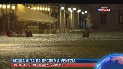 """Breaking News delle ore 09.00: """"Acqua alta da record a Venezia"""""""