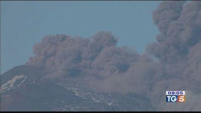 Etna: tra spettacolo e scosse di terremoto