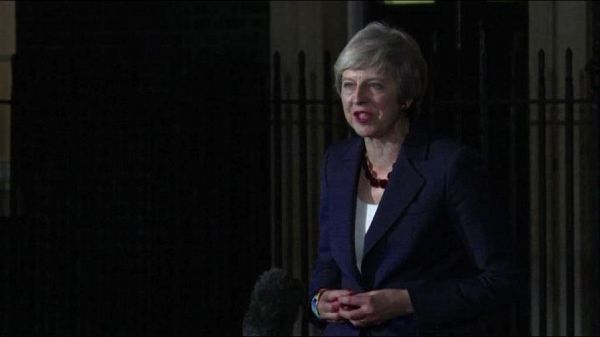 Brexit, Theresa May vince prima battaglia sull'accordo con l'Ue