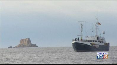 64 migranti su nave ong al largo di Lampedusa