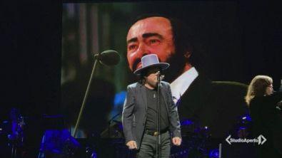 L'omaggio di Zucchero a Pavarotti