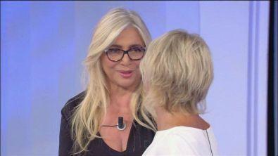 Mara Venier entra in studio