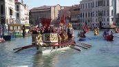 """Regata Storica di Venezia, va in scena la """"parita' del remo"""""""