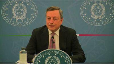 Draghi: farò mix vaccini, ma under 60 potranno scegliere richiamo