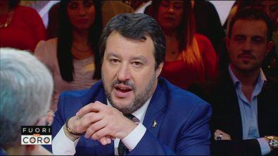 """Di Maio: """"Salvini ha aperto il mercato delle vacche"""""""