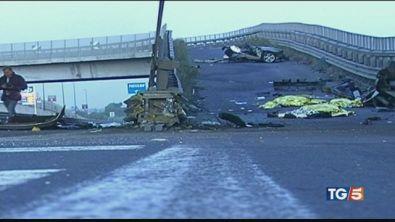 Catania, terribile incidente stradale