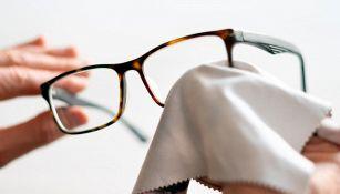 Occhiali da vista: come pulirli senza rovinarli