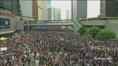 Hong Kong, vince la protesta