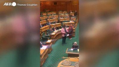 Nuova Zelanda, uscita con Haka per un parlamentare