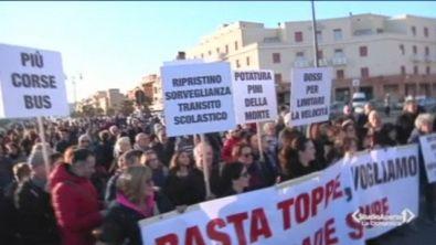 Protesta dei cittadini a Ostia