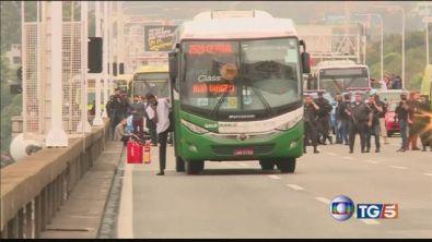 Bus sequestrato a Rio de Janeiro