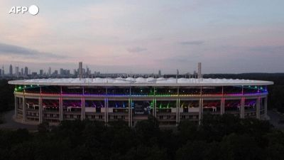 Europei, lo stadio di Francoforte si adorna dei colori dell'arcobaleno