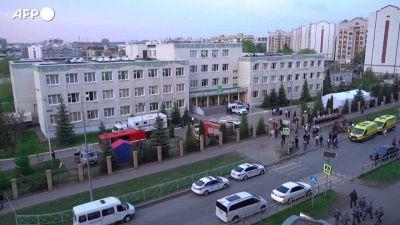 Russia, Kazan: memoriale per le vittime della sparatoria nella scuola