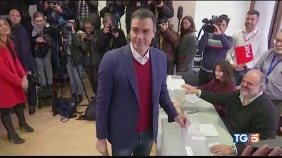 Spagna, Vince Sanchez ma senza maggioranza