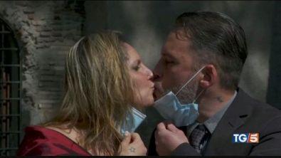 La giornata mondiale del bacio in tempo di Covid
