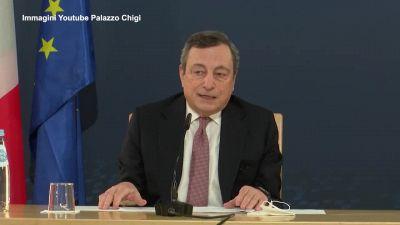 """Covid, Draghi: """"Chiesto con forza il green pass, ma attenzione agli aeroporti"""""""