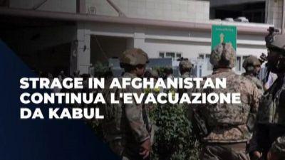 Strage in Afghanistan, continua l'evacuazione da Kabul